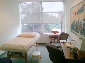 Treatment Room at The Spectrum Center for Natural Medicine in Silver Spring Acupressure with Shira Oz-Sinai